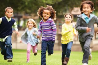 אילוסטרציה: ילדים רצים